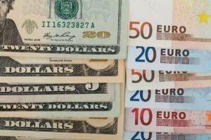 Prognose von Wechselkursen: Inflation, Zinsen, Investitionsklima etc.